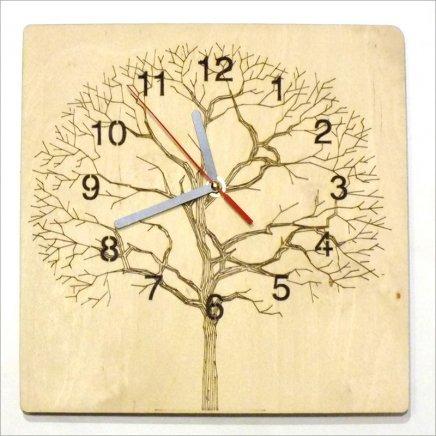 Drevené hodiny Strom