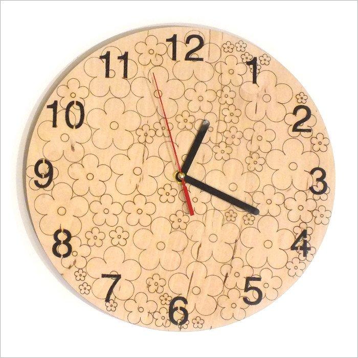 Drevené hodiny Kvietok